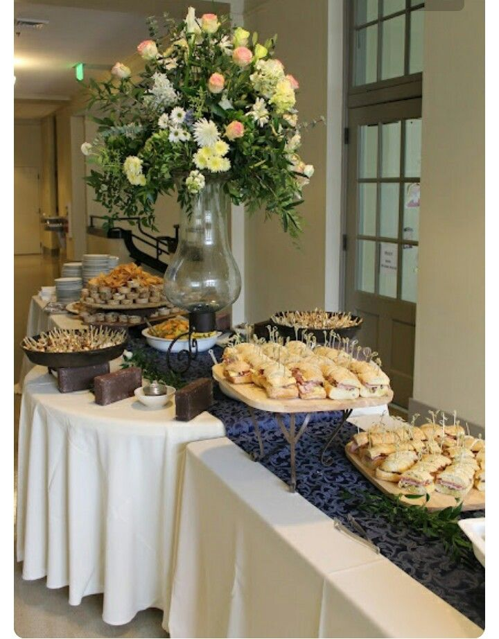 Best 20 food table displays ideas on pinterest for Ensemble table buffet