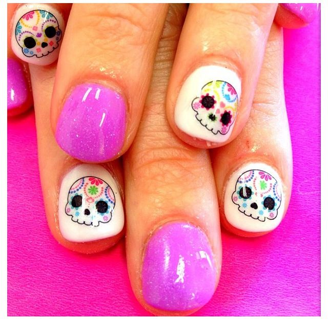Super cute! Sugar skull nails || they r like baby sugar skulls || adorable...!!! <3