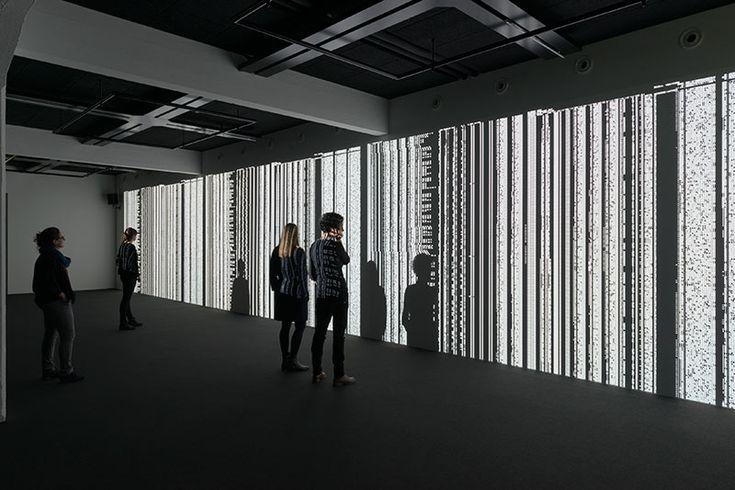 Ryoji Ikeda data.tron [3K version], 2014 3 DLP Projektoren, Computer, Lautsprecher Copyright: HeK (Haus der elektronischen Künste Basel) Künstler: Ryoji Ikeda Fotograf: Franz Wamhofat Hek