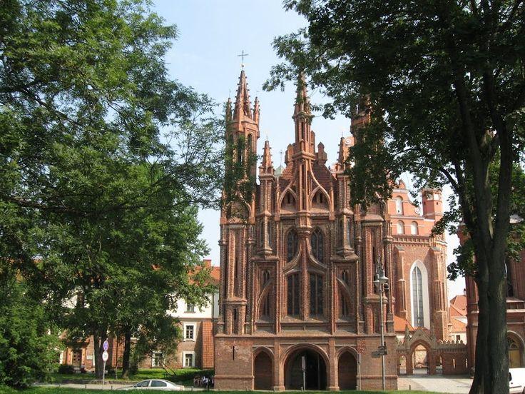 Готический костел Святой Анны - Вильнюс (Литва)