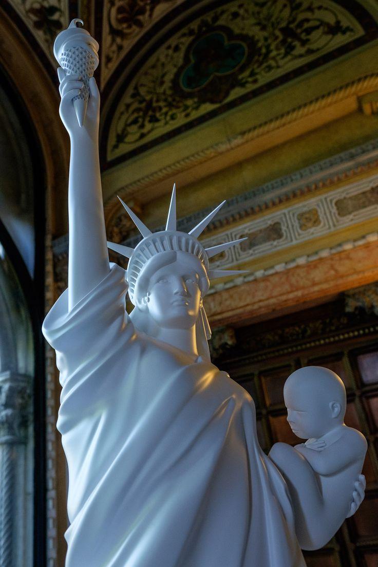 https://flic.kr/p/HuB7PN | Next in line, please | Impressive idea of sculpture by Joseph Klibansky.