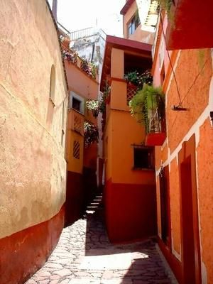 What to Do in San Miguel De Allende, Mexico?   http://traveltips.usatoday.com/san-miguel-de-allende-mexico-11681.html