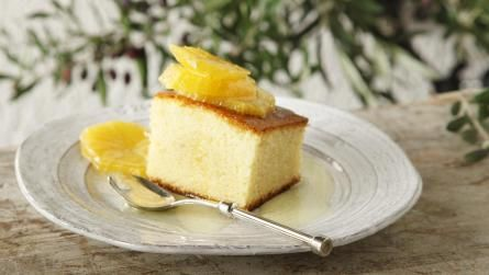 Cake with olive oil & marinated oranges