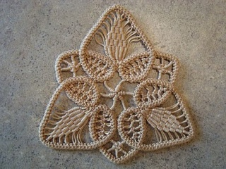 Romanian point lace #crochet ornament with full tutorial.