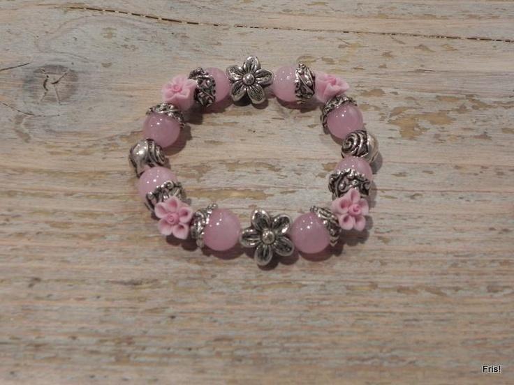A bracelet / armband