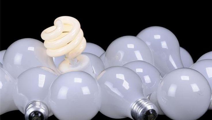 Sokan szeretjük az energiatakarékos izzókat, mert csökkentik az áramfogyasztást. Azt azonban nem biztos, hogy tudtad, hogy ezek az izzók veszélyeket tartogathatnak!