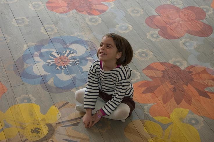 Painted wood floors.  Beautiful + Genius.    http://www.giacomotti.net/fr/parquets.html