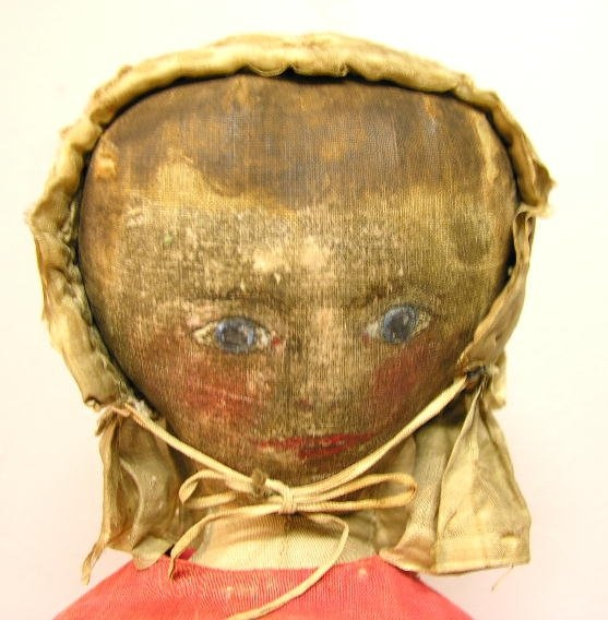 19TH CENTURY OIL PAINTED CLOTH DOLL, 16'. Queen Ann : Lot 29
