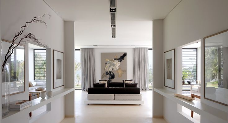 Recessed curtain track, linear accent lighting, large painting - CAPE YAMU | Deborah Oppenheimer Interior Design