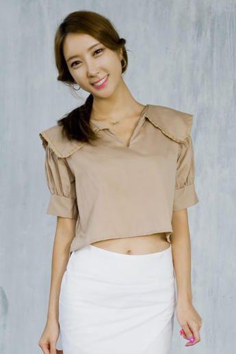 sailor collar cropped blouse from Kakuu Basic. Saved to Kakuu Basic Blouses & Shirts.