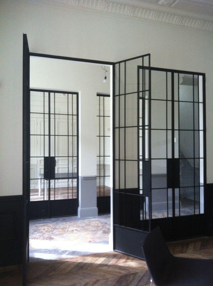 Slim steel door frames. Timeless.