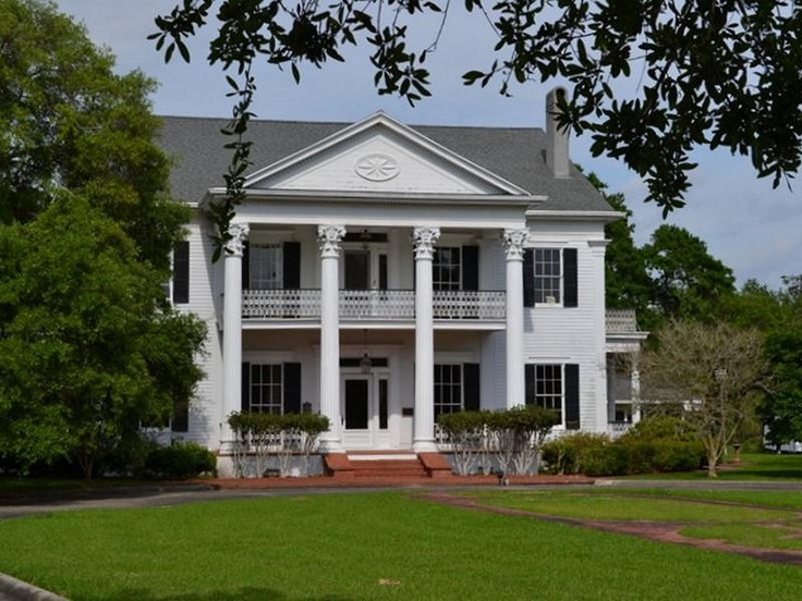 5676 best images about the old south on pinterest for Old southern style homes