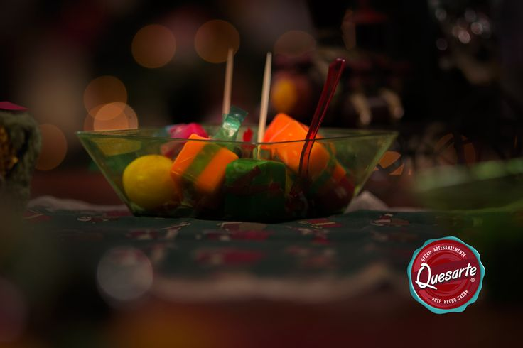 Los bocados Quesarte fueron diseñados para que su sóla presencia en tu mesa creara un efecto alegre y original. En el fin de año puedes sorprender tus familiares y amigos! Aprende cómo www.ideasquesarte.com