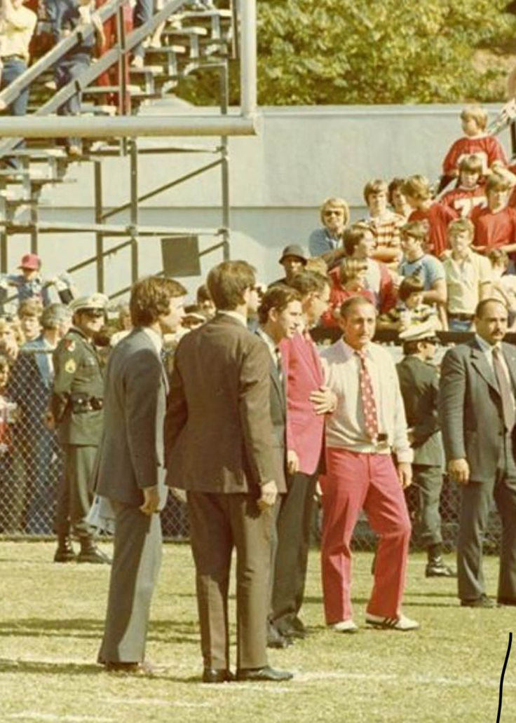 Prince Charles at the Georgia/Kentucky football game with Coach Vince Dooley 1977 http://ift.tt/2j0izUt