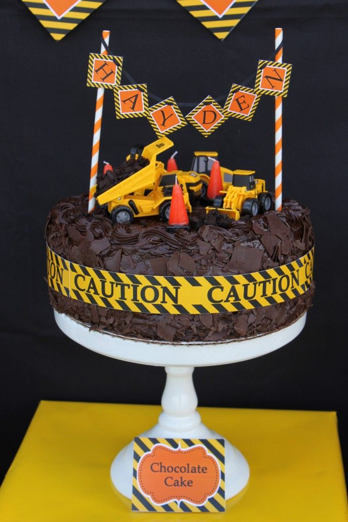 Construction zone birthday party cake