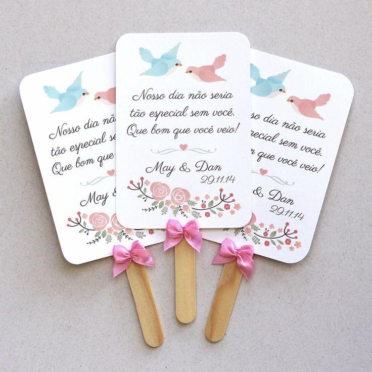 Leques de papel personalizados da May e do Dan. Modelo Passarinhos, com laços cor de rosa. Lembrancinha fofa, útil e econômica!