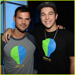 Taylor Lautner Makes The Crowd Go Wild At 'Think It Up' Telecast http://www.justjared.com/2015/09/13/taylor-lautner-makes-the-crowd-go-wild-at-think-it-up-telecast/
