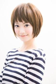 思わずムニムニしたくなる!丸顔さんに絶対似合うヘアスタイル - M3Q - 女性のためのキュレーションメディア
