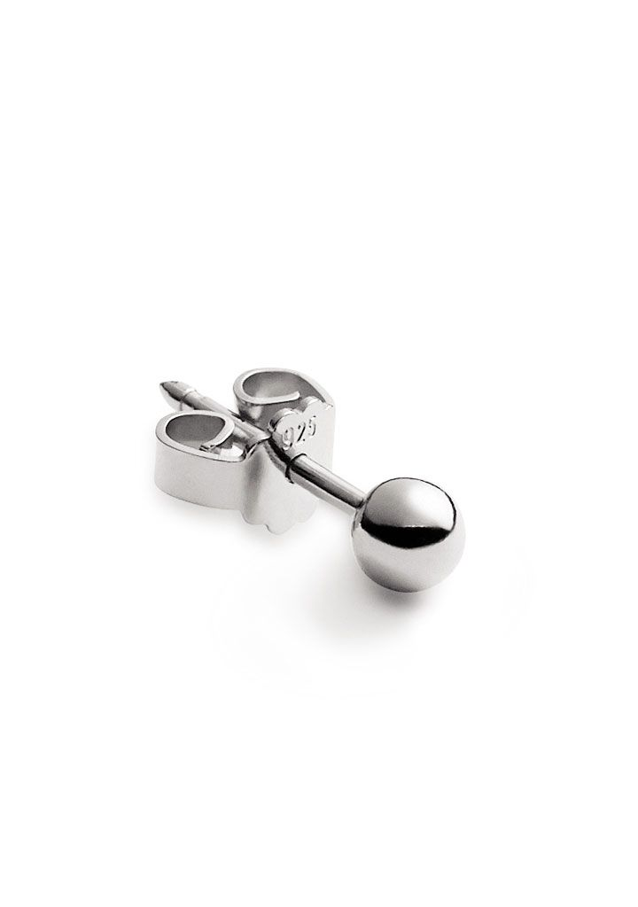 Style this silver Bullet Stud in a group along your ear or combine it with other shapes and styles. It is in it's simplicity a very versatile piece. So good!