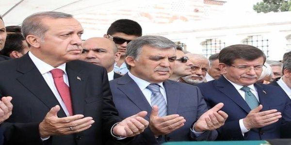 Α.Νταβούτογλου και Α.Γκιουλ υπόγεια μάχονται να κερδίσει το ΟΧΙ στο τουρκικό δημοφήφισμα