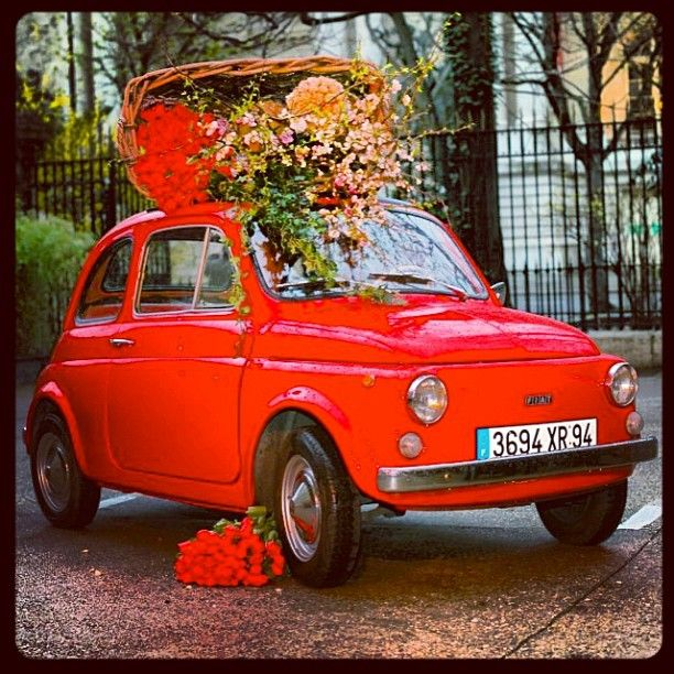 #fiat #fiat500 #bellaitalia #italy #flowerpower #red