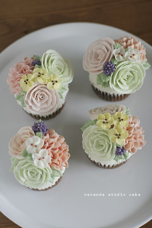 a well tended garden is something to be proud of as are these beautifully baked and decorated flower cupcakes below though these cupcakes may be sweet