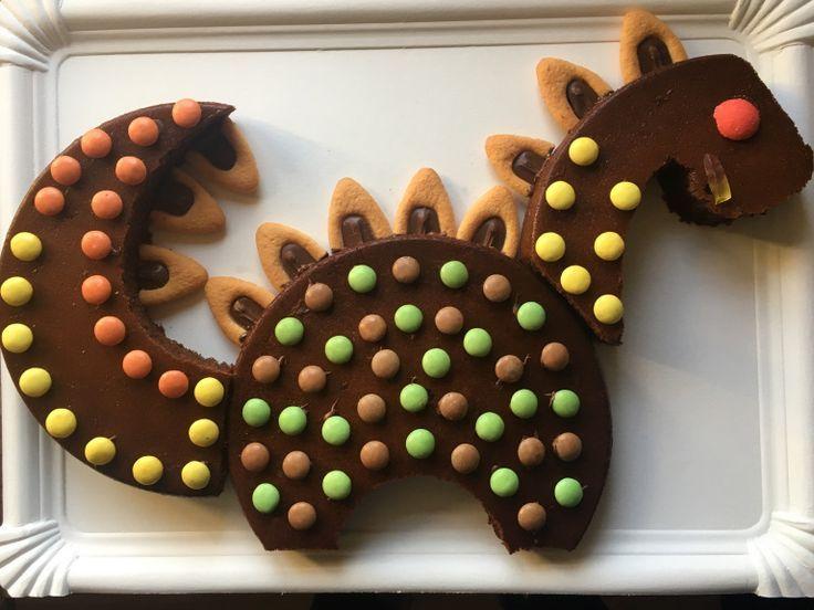 2 Ideen zum Dekorieren eines Schokoladenkuchens – Gâteaux Annif 2ans Eliott – # …   – Geburtstage Kinder❤️