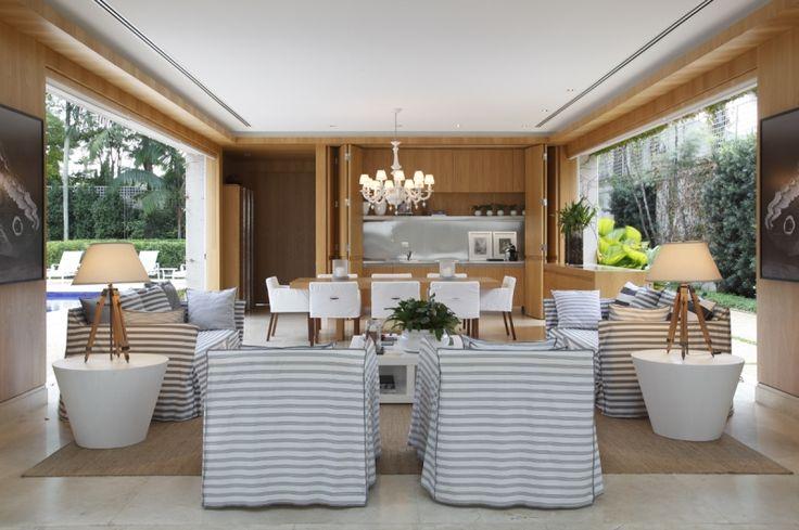 Roberto Migotto sala living casa praia madeira cortina poltrona sofa