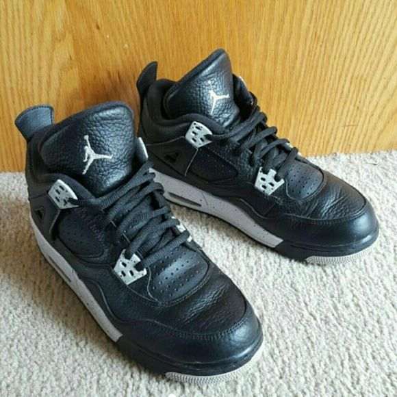 Air Jordan Retro 4 Oreos 6Y Good condition has creases as pictured not as noticeable when wearing size 6Y which equals a 7.5 in women's cheaper with merc Jordan Shoes Athletic Shoes