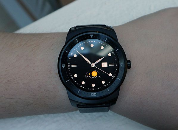 LG G Watch R First Look - Consumer Reports News