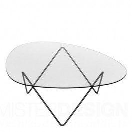 De Pedrera Salontafel van Gubi, een ontwerp van Corsini & Millet, is ontworpen als aanvulling op de lampen uit de Pedrera serie. Het onderstel van de tafel is geïnspireerd op het gewelfde plafond van een bekend pand van Gaudi, La Pedrera, waarvoor Corsini al eerder de lampen ontwierp. Dankzij het harde glazen tafelblad met een dikte van 8 mm. blijft het stalen onderstel mooi zichtbaar.   De Pedrera Salontafel is verkrijgbaar met een zwart onderstel en transparant tafelblad.