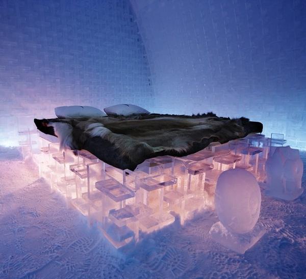 The ice hotel in Jukkasjrvi, Sweden :o