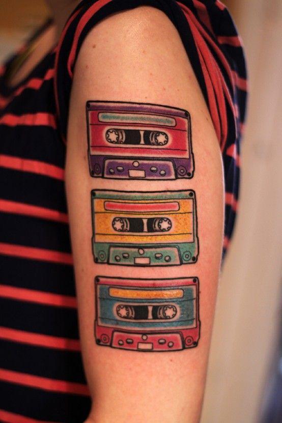 Tatuagem de Fita Antiga