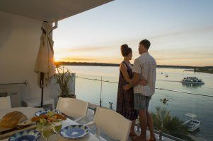 Stay In Noosa - Romantic Accommodation - Quamby Place Noosa