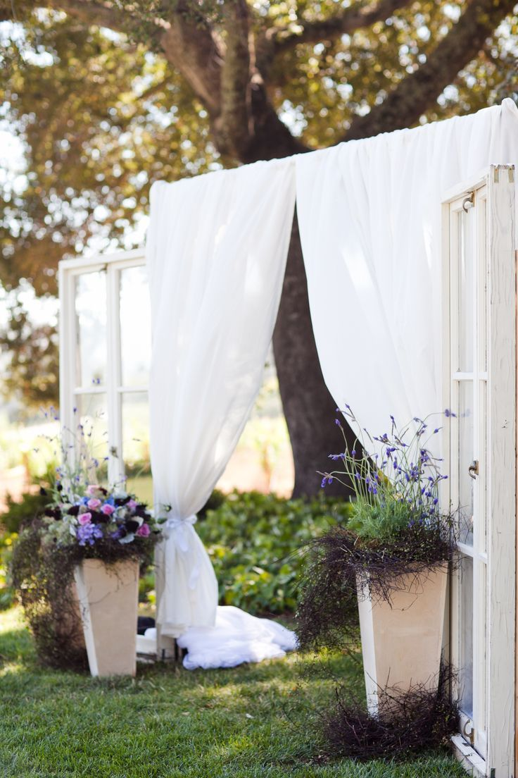 Burlap curtains are you kidding me what a backdrop - Rustic Wedding Backdrops Rustic Backdrop