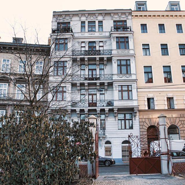 1080 Wien Zinshaus Zinsmaus Wien Vienna Josefstadt 1080wien Facade Fassade Igersvienna Igersaustria Welovevienna Vienna Wien Facade Vienna Austria