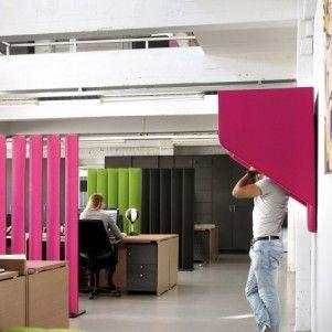 Kantoor ingericht met allemaal akoestische producten voor optimale werkomgeving. www.kantoorinrichters.nl