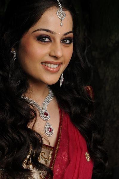 Recinda Martis Bridal Makeup Info & Review   Best Bridal Makeup in Mumbai   Wedmegood