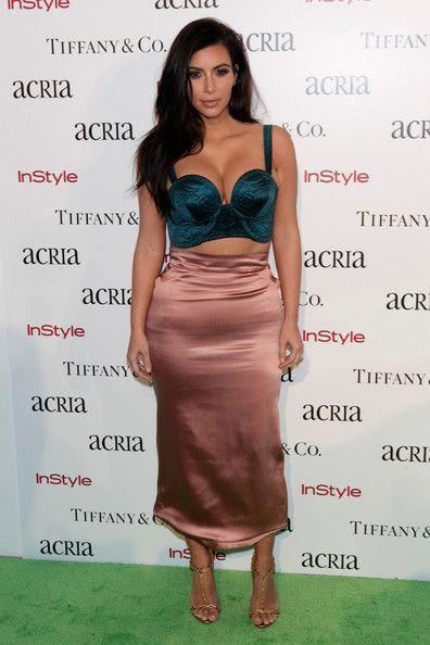 Kim kardashian en robe bustier
