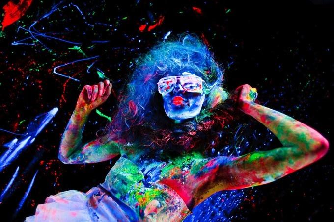 Color of Light, Boris Ponomarev  fotos com tinta fluorescente