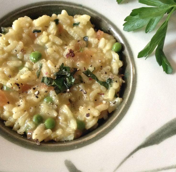 Saffron Risotto   http://sweetvegan.net/saffron-risotto/ #veganitalian #veganrisotto #whatveganseat #veganrecipes #risottorecipes #saffron #ricedishes #vegetarian #plantbased #plantbaseddiet