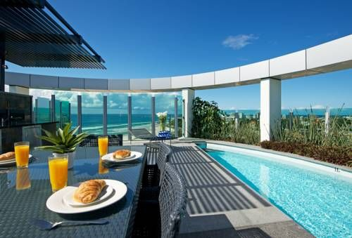Couldn't think of a more perfect place to have a meal than the Nirvana By The Sea #hotel. With luxurious self-catering apartments, it seems this is the place to be in the #GoldCoast #Australia!