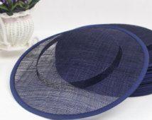 piattino Navy 31cm Pillbox cappello Sinamay base - cappello cocktail / church cappello / modisteria fascinator alimentazione fai da te