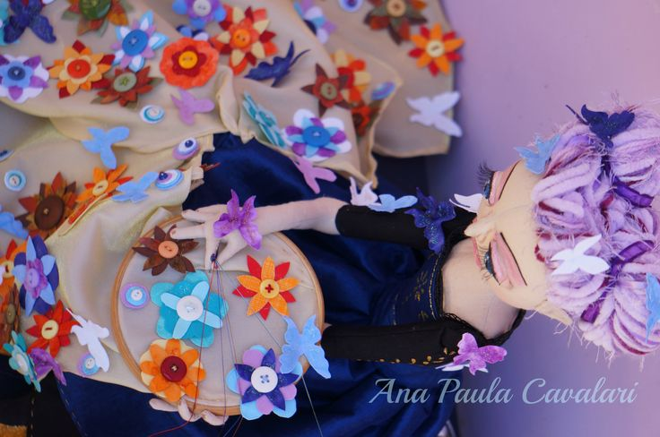 https://www.facebook.com/ApCavalari Ana Paula Cavalari Doll made whole fabric , sculpted face , doll art , cloth doll, boneca arte, art doll, boneca de tecido, bordadeira, embroiderer
