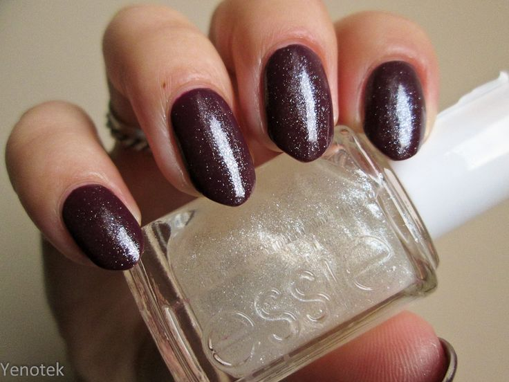 Wibo Chic Matte nr 5 + Essie Pure Pearlfection