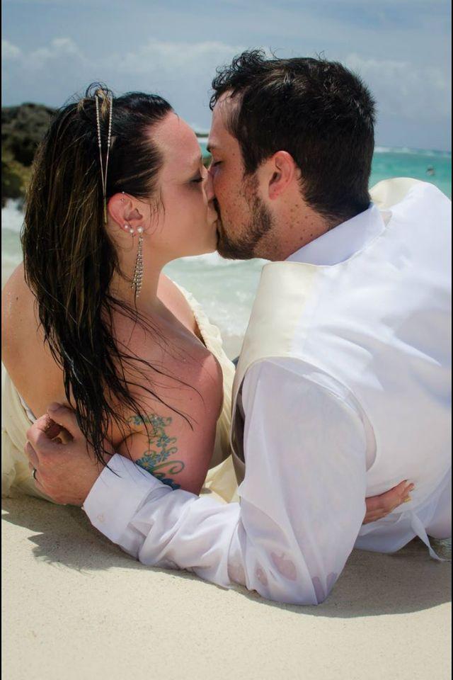 Bride with tattoo #tattoobride #trashthedress #mexicodestinationwedding