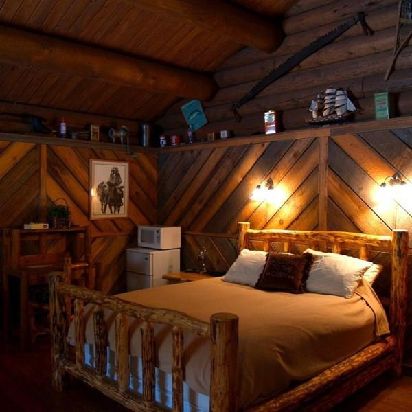 Western Style Bedroom Beautiful Homes Log Home Ranch