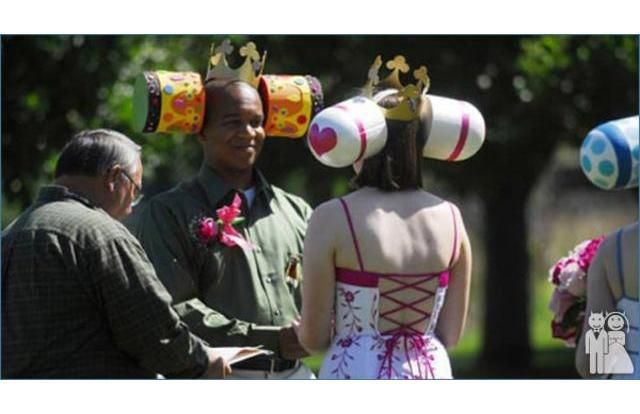 The 27 Most Hilariously Bad Themed Weddings Of All Time (Slide #16) - Offbeat