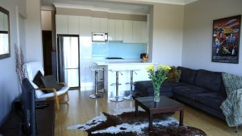 Nice fresh looking kitchen design in this Bronte apartment.