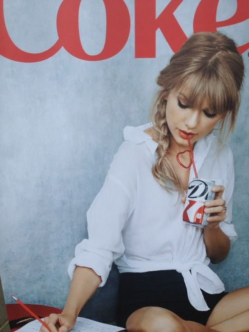 Taylor Swift photoshot for Coca Cola